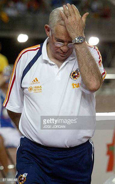 Spanish coach Luis Aragones reacts during his first match as coach of the Spanish national team as they play friendly against Venezuela at the Gran...