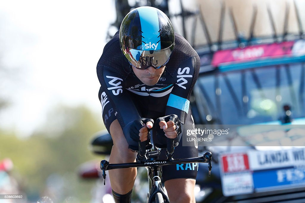 Spanish cyclist Mikel Landa of Team Sky in action competes during the 1st individual time trial stage of the 99th Giro d'Italia (Tour of Italy) from Apeldoorn to Apeldoorn on May 6, 2016 in Apeldoorn. / AFP / LUK