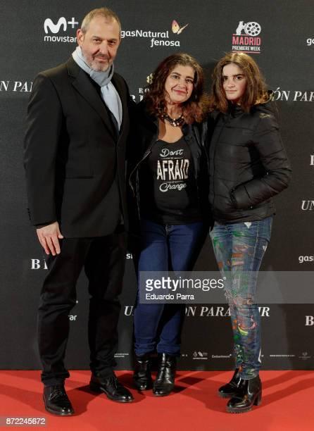 Spanish director Alfonso Albacete author Lucia Etxebarria and Allegra Etxebarria attend the 'Una razon para vivir' premiere on November 9 2017 in...