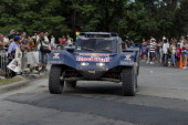 Spanish driver Carlos Sainz arrives to Salta at the end of the 6th stage of Rally Dakar 2014 ArgentinaBolivaChile on January 10 2013 in Salta...