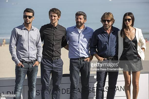 Spanish film director Alberto Rodriguez poses with Spanish actors Jesus Castro Raul Arevalo Antonio de la Torre and Nerea Barros during 'La Isla...