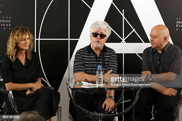 Spanish film director Pedro Almodovar his brother Agustin Almodovar and actress Emma Suarez pose after his film 'Julieta' has been elected by the...