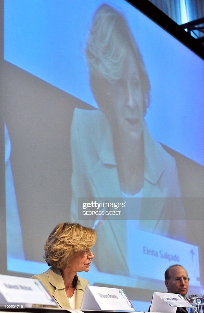 Spanish Finance Minister Elena Salgado (L) delivers a speech as she attends the Brussels Economic Forum on May 25, 2010 at the EU headquarters in Brussels. The Spanish government shares the analysis of the economic challenges facing Spain issued on May 24 by the IMF, which called for 'urgent' labour and banking sector reforms, the finance ministry said.