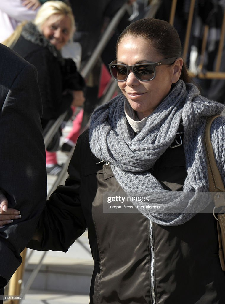 Spanish flamenco singer <a gi-track='captionPersonalityLinkClicked' href=/galleries/search?phrase=Isabel+Pantoja&family=editorial&specificpeople=220341 ng-click='$event.stopPropagation()'>Isabel Pantoja</a> arrives at Malaga court for the ongoing trial for alleged money-laundering and embezzlement on December 11, 2012 in Madrid, Spain. The 2006 scandal has put nearly 100 people on trial for alleged involvement in bribes to city officials by property developers for planning permissions.