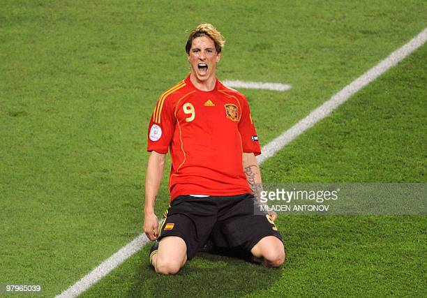 Spanish forward Fernando Torres celebrates after scoring during the Euro 2008 championships final football match Germany vs Spain on June 29 2008 at...