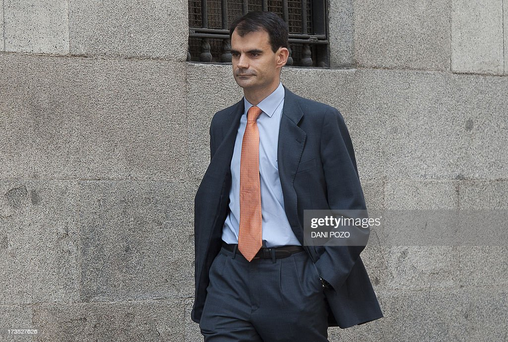 Spanish High Court judge Pablo Ruz leaves the Court in Madrid on July 16, 2013. Pablo Ruz, the judge in charge of an alleged slush fund scandal probe and a separate corruption case, both implicating former PP (Popular Party)'s treasurer Luis Barcenas, quizzed Barcenas on July 15. Barcenas told the judge that he had handed 25,000 euros (33,000 USD) in cash to Rajoy in 2010 and the same amount to the party's deputy leader Maria Dolores de Cospedal, sources present at the hearing told reporters afterwards.