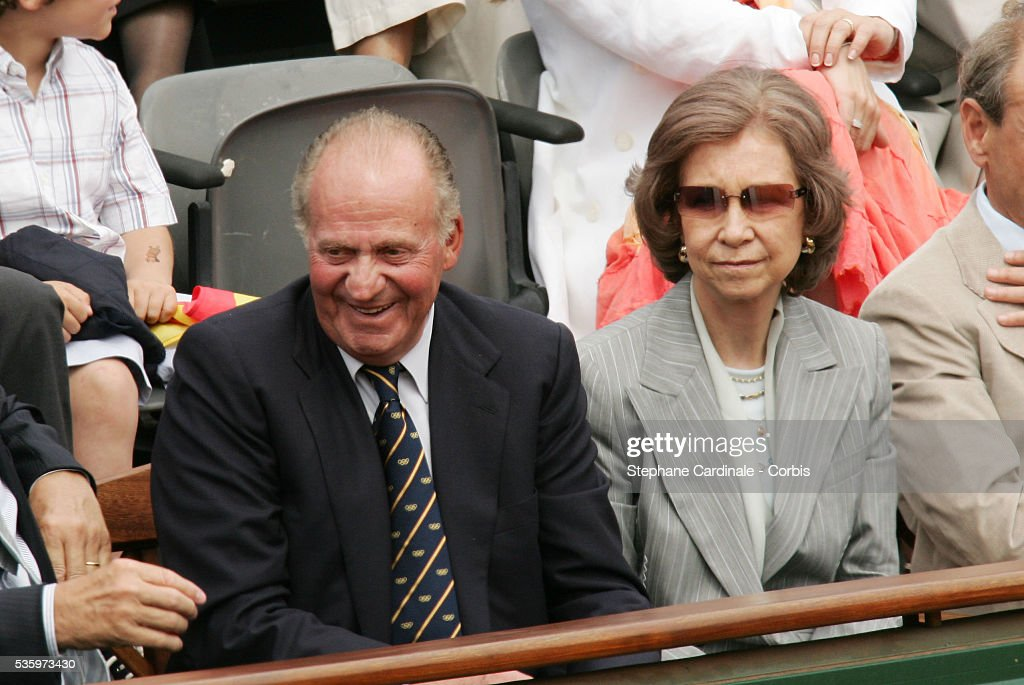 Spanish King Juan Carlos and his wife Sofia watch the men's final match between Argentina's Mariano Puerta and Spain's Rafael Nadal of the French Open tennis tournament, at the Roland Garros stadium, Sunday June 5, 2005 in Paris.