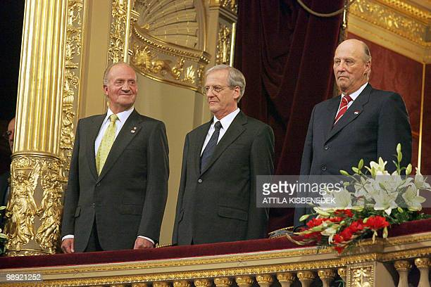 Spanish King Juan Carlos Hungarian President Laszlo Solyom and Norwegian King Harald V listen the Hungarian anthem in the State Opera House of...