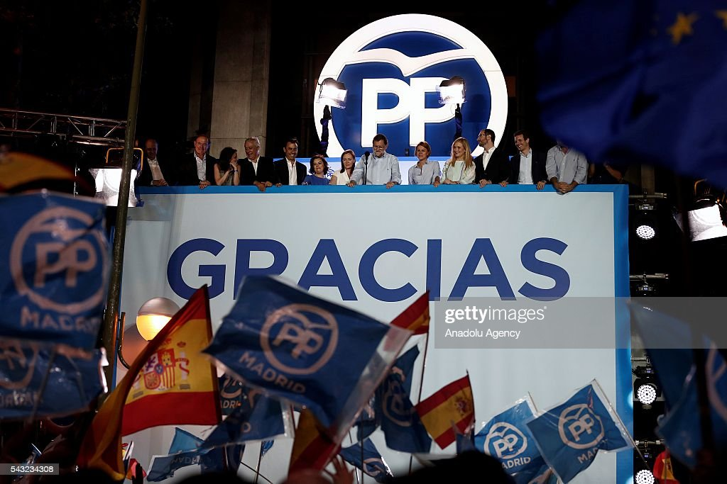 Spanish leader of the People's Party Mariano Rajoy addresses their supporters from the party´s headquarters after the announcement of general election results in Madrid, Spain, 26 June 2016.