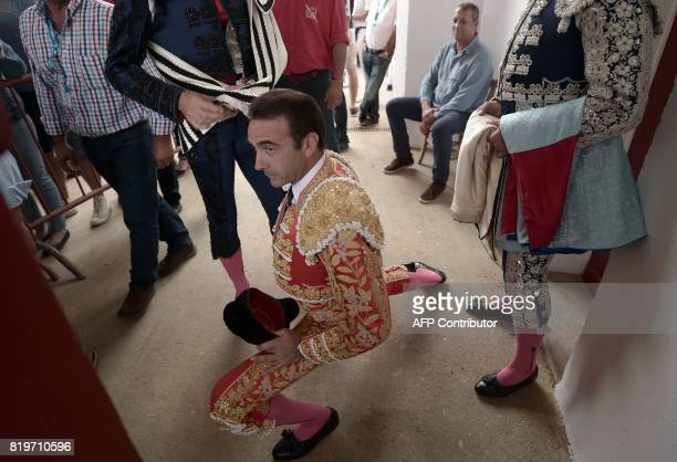 Spanish matador Enrique Ponce warms up before a bullfighting at Plumacon arena in Mont de Marsan during the festival of La Madeleinesouthwestern...
