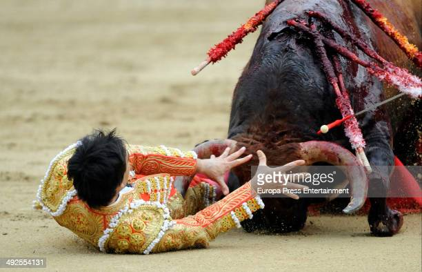 Spanish matador Saul Jimenez Fortes is gored by a bull during the San Isidro Fair at Las Ventas bullring on May 20 2014 in Madrid Spain For the first...
