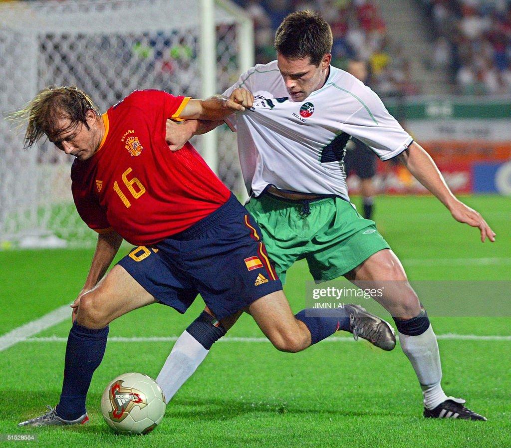 Spanish midfielder Gaizka Men ta L is challeng