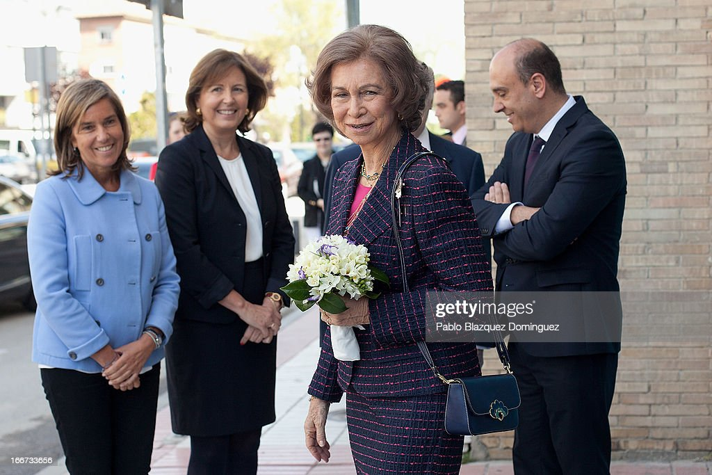 Spanish Minister of Health, Social services and Equality Ana Mato (L) and <a gi-track='captionPersonalityLinkClicked' href=/galleries/search?phrase=Queen+Sofia+of+Spain&family=editorial&specificpeople=160333 ng-click='$event.stopPropagation()'>Queen Sofia of Spain</a> (2R) attend a meeting with UNICEF on April 16, 2013 in Madrid, Spain.