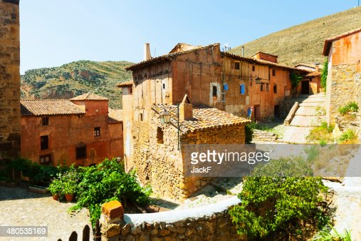 spanish mountains town. Albarracin, Aragon : Bildbanksbilder