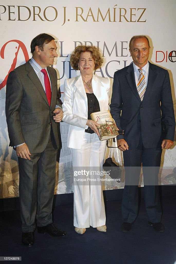 Pedro J. Ramirez Launchs 'El Primer Naufragio' Book
