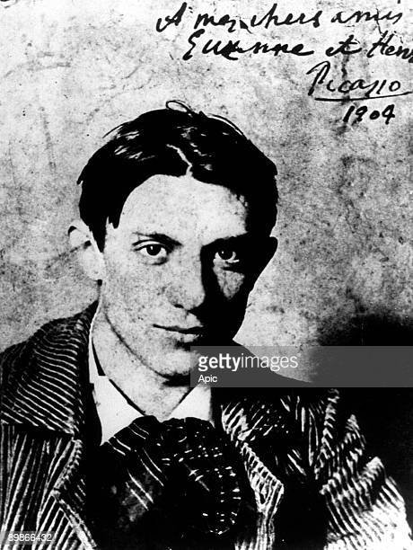 Spanish painter Pablo Picasso in 1904 he is 23 years old