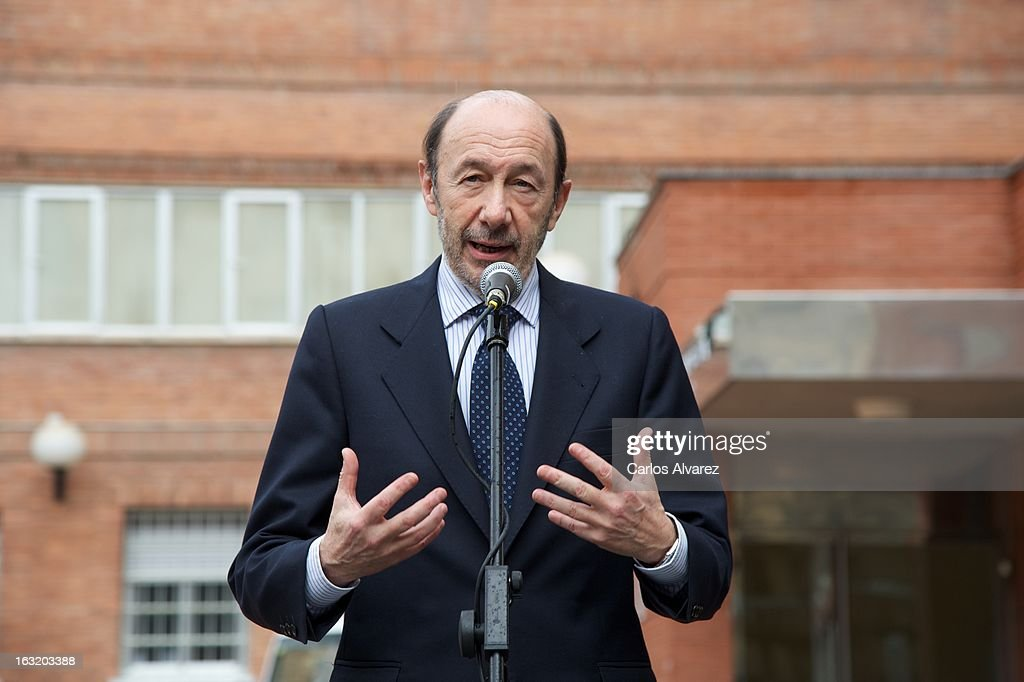 Spanish politician <a gi-track='captionPersonalityLinkClicked' href=/galleries/search?phrase=Alfredo+Perez+Rubalcaba&family=editorial&specificpeople=692536 ng-click='$event.stopPropagation()'>Alfredo Perez Rubalcaba</a> speaks to press after his visit to King Juan Carlos of Spain at La Milagrosa Hospital on March 6, 2013 in Madrid, Spain. King Juan Carlos of Spain underwent surgery for a lower back disc hernia the last March 3, 2012. He also had hip surgery last November. The King has had several other health issues in the past two years, including knee surgery and the removal of a benign lung tumor.