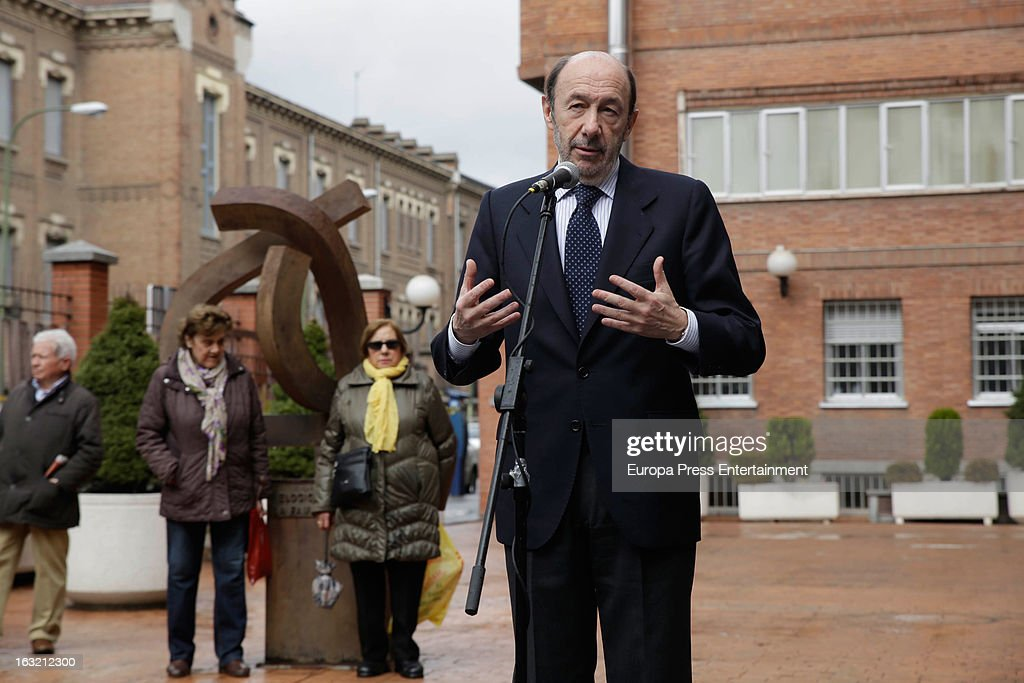 Spanish politician Alfredo Perez Rubalcaba speaks to press after visiting King Juan Carlos I of Spain at La Milagrosa Hospital on March 6 2013 in...
