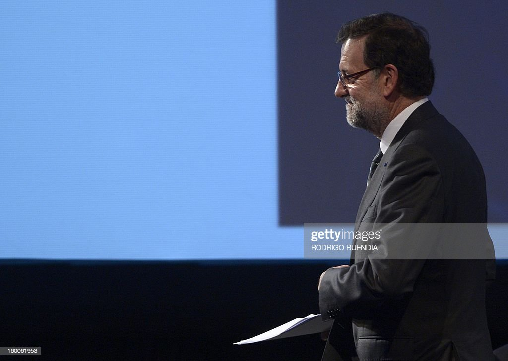 Spanish Prime Minister Mariano Rajoy delivers a speech during the opening of the IV Business Meeting in the framework of the weekend's two-day CELAC-EU Summit in Santiago, during his official visit to Chile on January 25, 2013. More than 40 Heads of State and Government of the Community of Latin American and Caribbean States (CELAC) and the European Union (EU) will meet on January 26 and 27 to promote a strategic partnership between the two regions. AFP PHOTO/RODRIGO BUENDIA