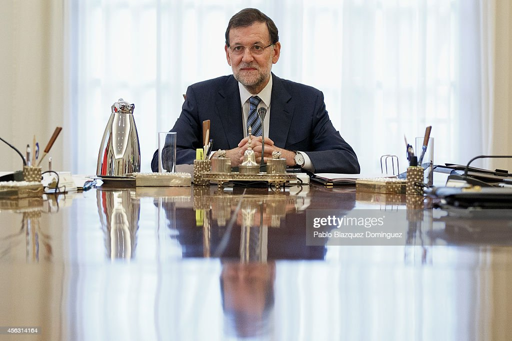 Spanish Prime Minister Mariano Rajoy presides over a cabinet meeting at Moncloa Palace on September 29, 2014 in Madrid, Spain. Spanish Government holds an emergency cabinet meeting in reaction to the regional decree signed by Catalonia's President Artur Mas to call for a self-determination referendum from Spain on November 9.