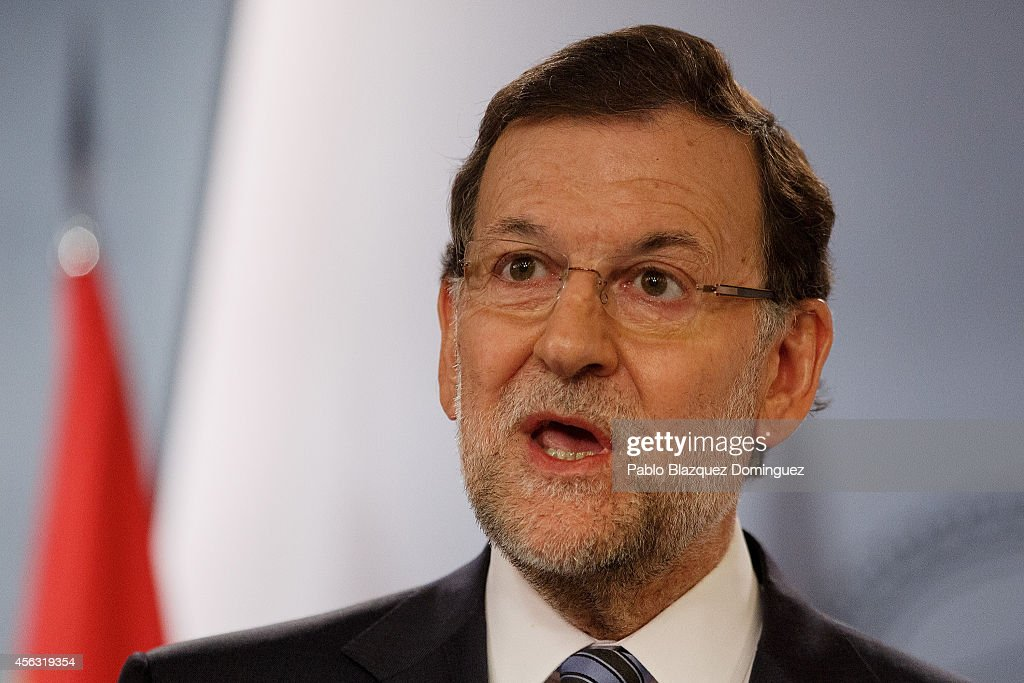 Spanish Prime Minister Mariano Rajoy speaks during a press conference after a gabinet meeting at Moncloa Palace on September 29, 2014 in Madrid, Spain. Spanish Government holds an emergency cabinet meeting in reaction to the regional decree signed by Catalonia's President Artur Mas to call for a self-determination referendum from Spain on November 9.