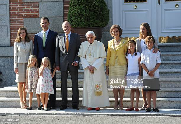 Spanish Royal family members Princess Letizia of Spain Princess Leonor of Spain Prince Felipe of Spain Princess Sofia of Spain King Juan Carlos of...