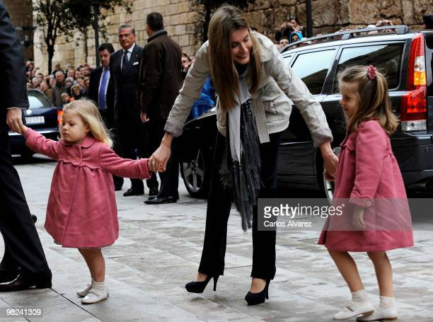 Spanish Royals Princess Letizia and her daugthers Princess Sofia and Princess Leonor attend Easter Mass at Palma de Mallorca Cathedral on April 4...