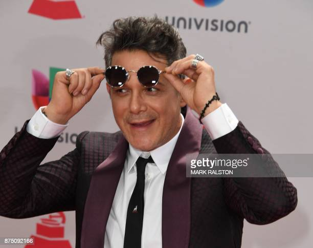 Spanish singer Alejandro Sanz arrives for the 18th Annual Latin Grammy Awards in Las Vegas Nevada on November 16 2017 / AFP PHOTO / Mark RALSTON