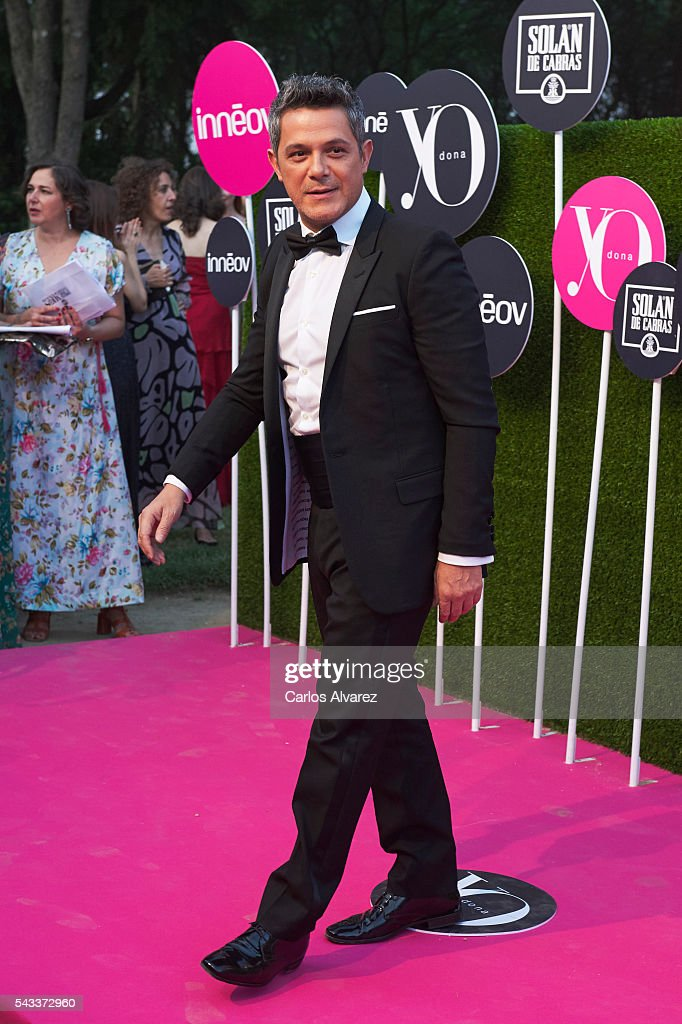 Spanish singer <a gi-track='captionPersonalityLinkClicked' href=/galleries/search?phrase=Alejandro+Sanz&family=editorial&specificpeople=208757 ng-click='$event.stopPropagation()'>Alejandro Sanz</a> attends 'Yo Dona' International awards on June 27, 2016 in Madrid, Spain.