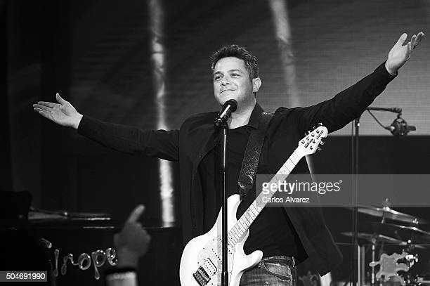 Spanish singer Alejandro Sanz performs on stage during the 'Basico 40 Principales' concert at Circulo de Bellas Artes on January 12 2016 in Madrid...