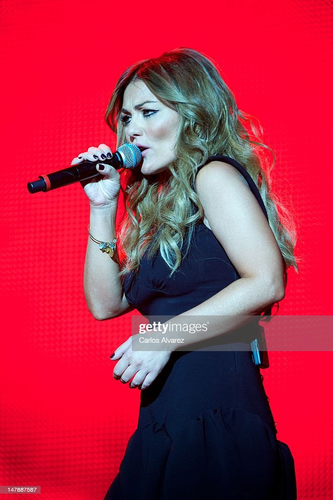 Terravisión V, «Louder than the oceans» - Aquarius Kingdom - Página 4 Spanish-singer-amaia-montero-performs-on-stage-during-rock-in-rio-picture-id147887587