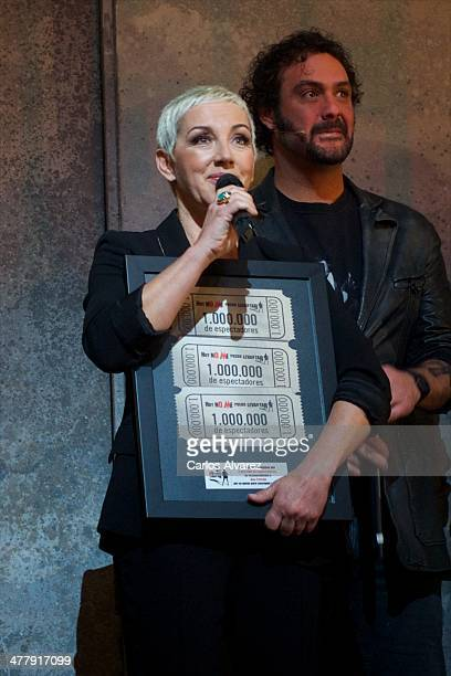 Spanish singer Ana Torroja receives the 'Hoy No Me Puedo Levantar' Triple Platinum Ticket award at the Coliseum theater on March 11 2014 in Madrid...