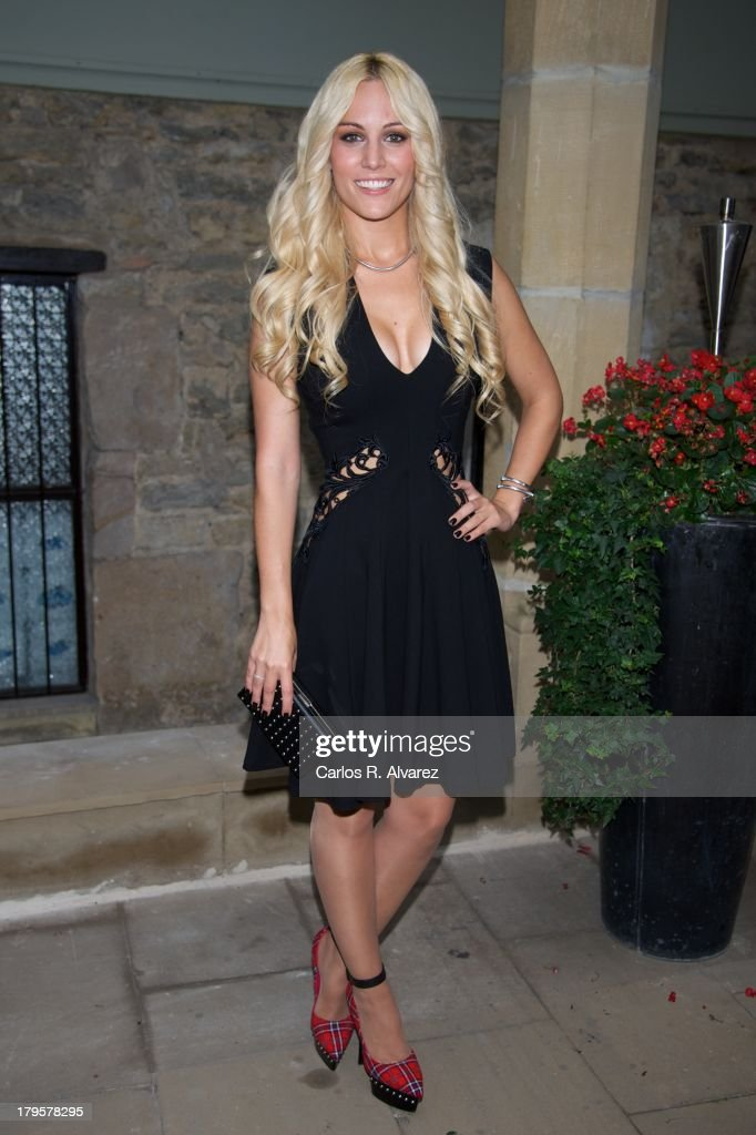 Spanish singer <a gi-track='captionPersonalityLinkClicked' href=/galleries/search?phrase=Edurne&family=editorial&specificpeople=649428 ng-click='$event.stopPropagation()'>Edurne</a> attends the 'Tu Cara Me Suena' new season presentation during the day four of 5th FesTVal Television Festival 2013 at the Villa Suso Palace on September 5, 2013 in Vitoria-Gasteiz, Spain.