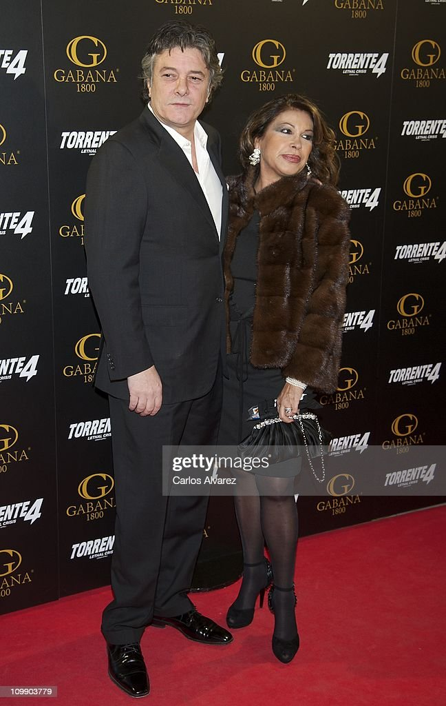 Spanish singer Francisco and his wife attend 'Torrente 4' premiere at the Capitol cinema on March 9, 2011 in Madrid, Spain.