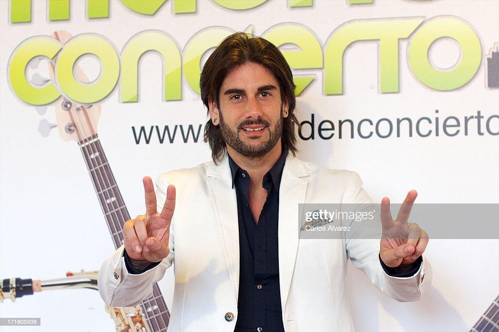 Spanish singer Melendi attends the 'Madrid en concierto' concert at Las Ventas Bullring on June 28 2013 in Madrid Spain