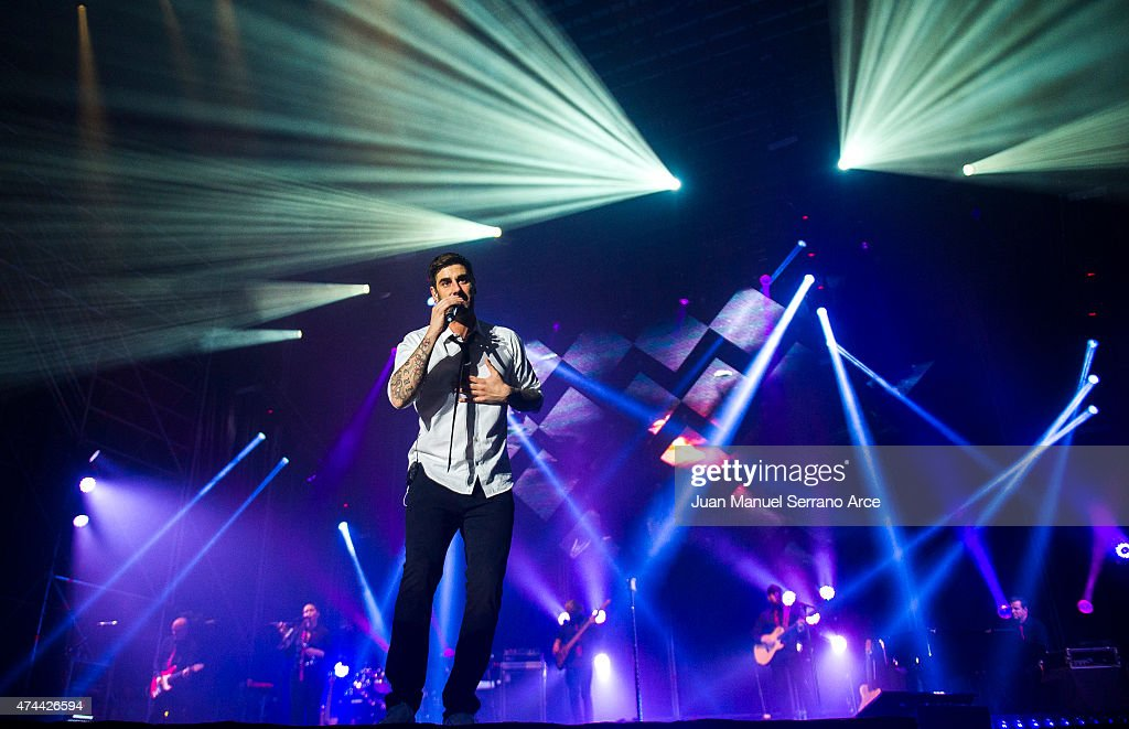 Spanish singer Melendi performs on stage at Palacio Deportes on May 22 2015 in Santander Spain