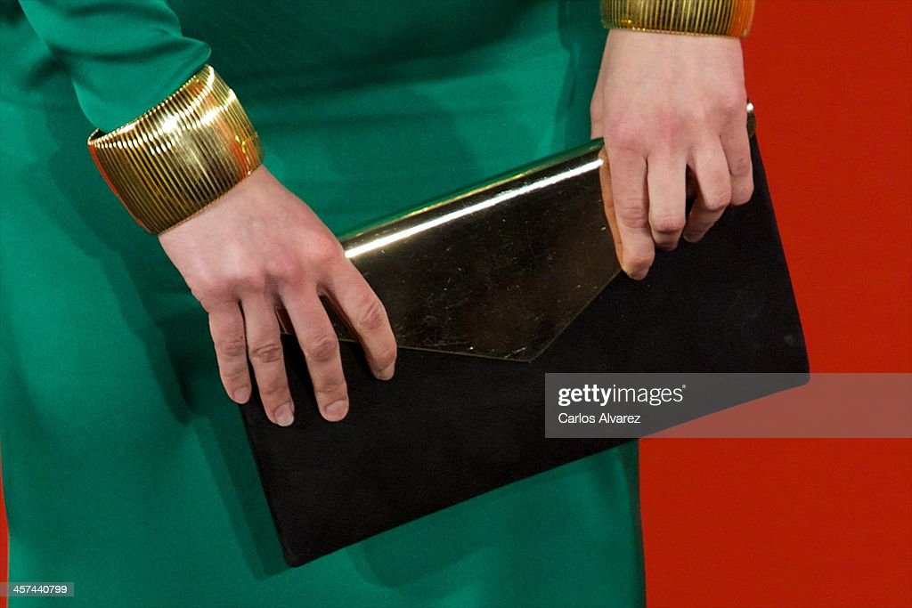 Spanish singer Sara Vega (bag detail) attends the 'Mujer de Hoy' awards 2013 at the Hotel Palace on December 17, 2013 in Madrid, Spain.