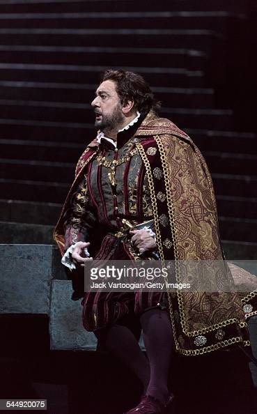Spanish tenor Placido Domingo performs during the final dress rehearsal prior to the season premiere of the Metropolitan Opera/Pier Luigi Samaritani...