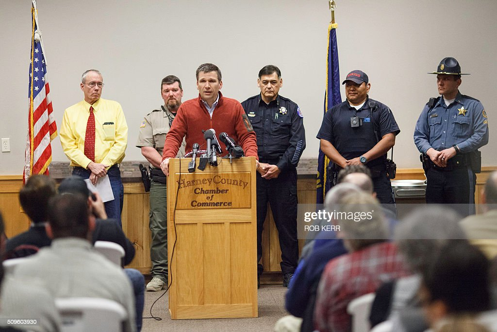 FBI special agent Greg Bretzing addresses the public at the Harney County Chamber of Commerce in Burns, Oregon on February 11, 2016. The last four armed occupiers of a wildlife refuge in Oregon turned themselves in on Thursday, ending a tense 41-day standoff over grazing rights on federal land that left one dead. / AFP / Rob Kerr / TO GO WITH AFP STORY BY ROBERT KERR