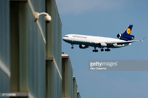 A special cargo plane of German airline Lufthansa coming from Marseille France and carrying on board the remains of 30 Spaniards who died in the...