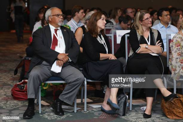 Special Envoy on Tuberculosis Dr Eric Goosby Senior Program OfficerTB Bill and Melinda Gates Dr Christy Hanson and CEO Foundation for Innovative New...