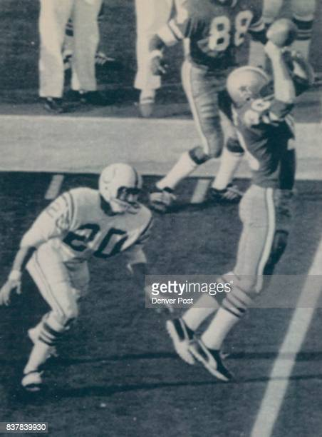 Special For The Denver Post Auth ED Tom PattersonThis is a 1971 file photo of Dallas running back Dan Reeves getting a hand on a Craig Morton pass in...