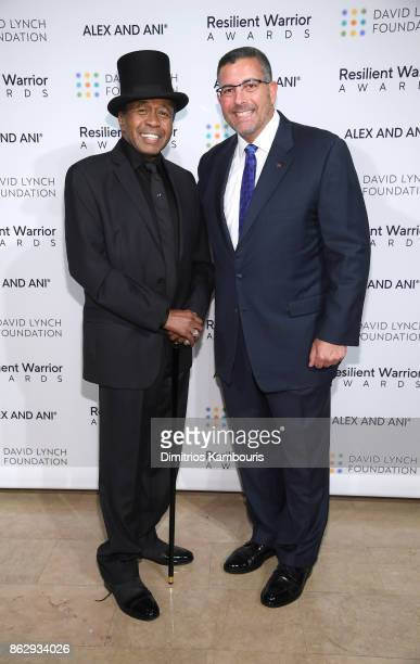 Special guest Actor Ben Vereen and Resilient Warrior Award Honoree Founder of Boulder Crest Retreat for Wounded Warriors Ken Falke attend 'Change...