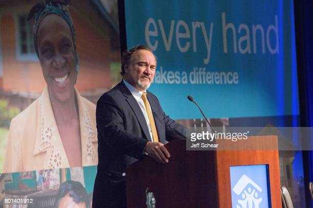 Special guest and DuPage native Jim Belushi speaks about the impact building with Habitat has had on his life at the Habitat Hero Award Dinner held...