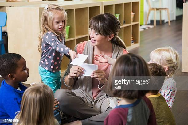 Besondere Bedürfnisse Kinder im Vorschulalter Klasse mit Gruppe
