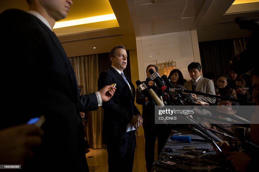 US special representative for North Korea policy Glyn Davies (C) speaks to the media at a hotel in Beijing on January 25, 2013. The United States and China have 'achieved a very strong degree of consensus' on North Korea, US envoy Glyn Davies said after meetings in Beijing following Pyongyang saying it planned another nuclear test. AFP PHOTO / Ed Jones