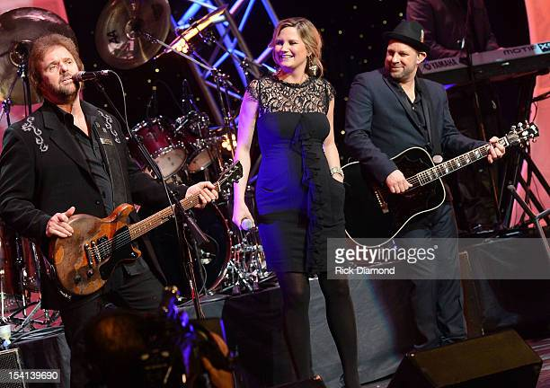Special's Don Barnes joins Sugarland's Jennifer Nettles and Kristian Bush in the singing of 'Georgia on my Mind' during the 34th Annual Georgia Music...
