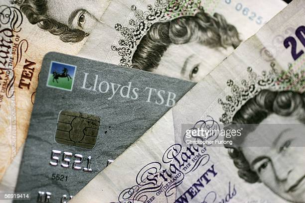 Specimen bank of England notes are seen with a chip and pin card on 23 February in Manchester England In the wake of Britain's biggest cash robbery...