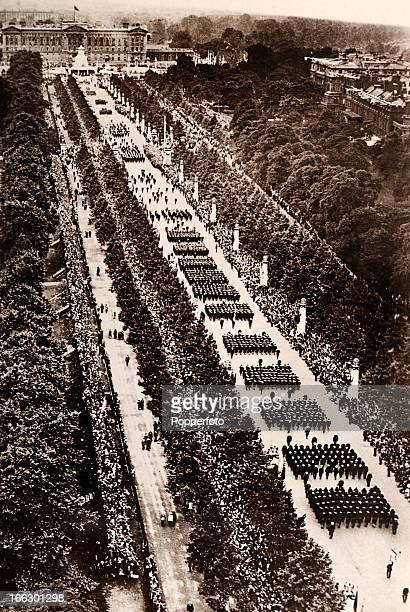Spectacular scenes in the Mall during the Victory March and Peace Pageant following the conclusion of World War One held in London on 19th July 1919