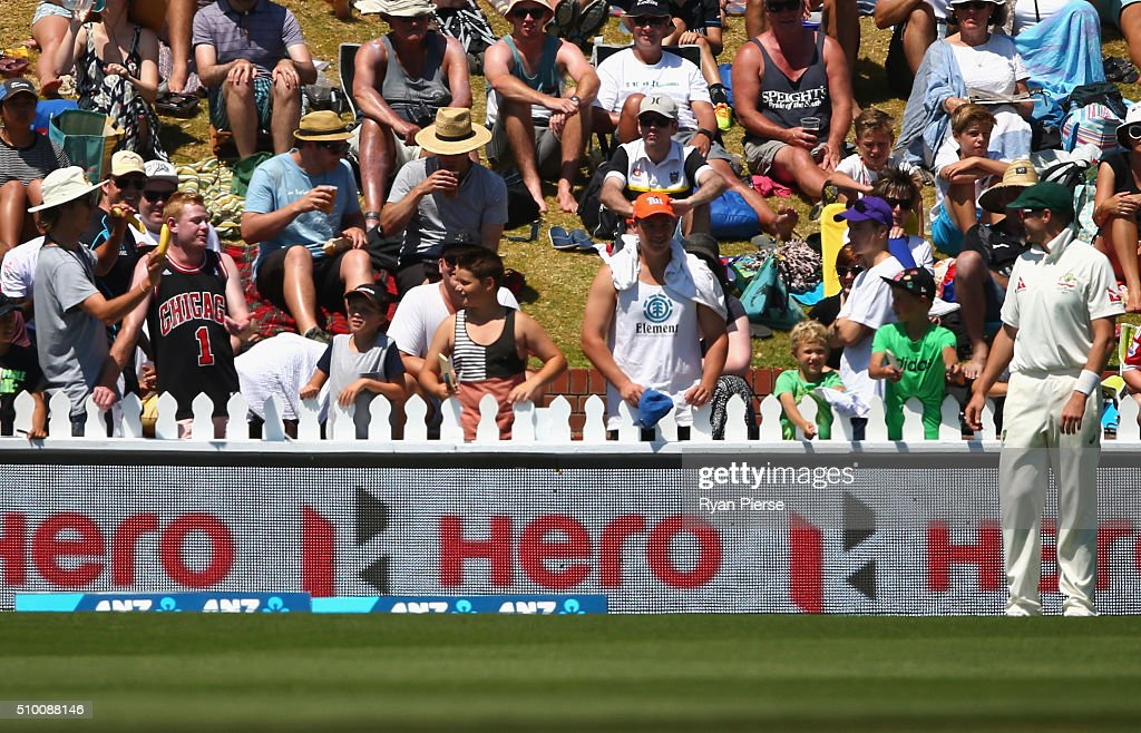 A spectator offers a banana to <a gi-track='captionPersonalityLinkClicked' href=/galleries/search?phrase=Peter+Siddle&family=editorial&specificpeople=2104718 ng-click='$event.stopPropagation()'>Peter Siddle</a> of Australia during day three of the Test match between New Zealand and Australia at Basin Reserve on February 14, 2016 in Wellington, New Zealand.
